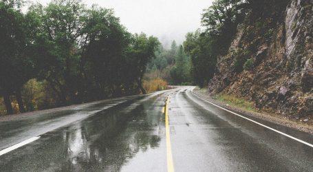 HAK: Kolnici vlažni i skliski, vjetar otežava promet