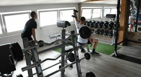 O socijalnoj udaljenosti brinu i u vježbaoni
