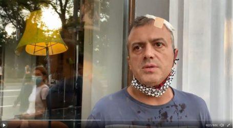 U Beogradu na prosvjedu napadnut i Sergej Trifunović, razbijena mu glava