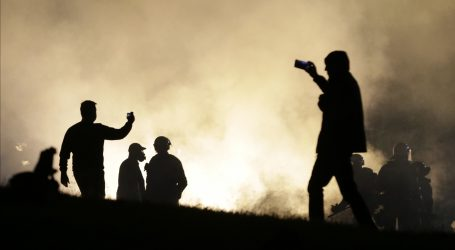 BEOGRAD: Nezavisni novinari trpjeli suzavac i nasilje da objektivno izvijeste s prosvjeda