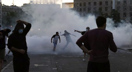 U beogradskim prosvjedima ozlijeđeno najmanje četvero novinara