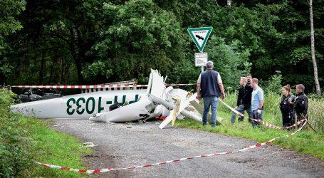 NJEMAČKA: Mali zrakoplov zabio se u zgradu, troje poginulih