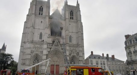 Osumnjičeni čuvar katedrale u Nantesu ipak pritvoren jer je priznao palež