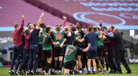 Aston Villa ostala u Premier ligi, Manchester United i Chelsea u Ligi prvaka