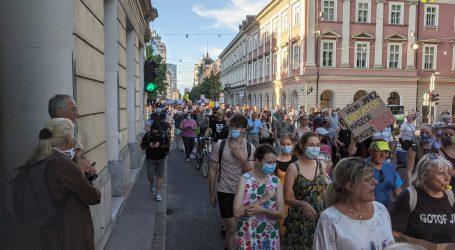 SLOVENIJA: Unatoč redovitim prosvjedima Janša ne odustaje od uspostave kontrole nad slovenskim medijima