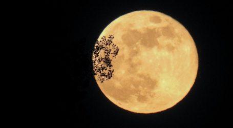 Kineska raketa snimila fotografije Zemlje i Mjeseca iz velike udaljenosti