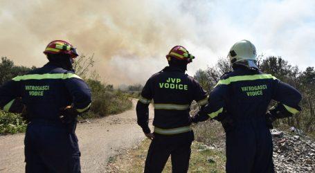 Lokaliziran požar kod Vodica