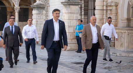 """Plenković: """"Građani, nije vrijeme za eksperimente i šarlatane, već za sigurnost"""""""