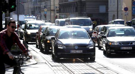 HAK: Uvjeti povoljni za vožnju, pojačan promet na gradskim cestama