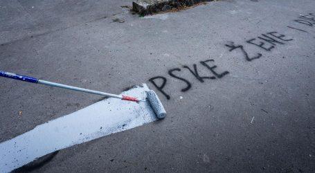 Kod biračkog mjesta u Splitu osvanuo odvratan grafit
