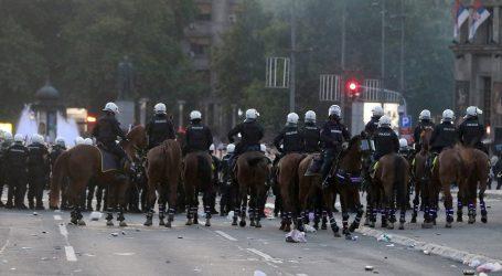 Beograd: Oporbeni čelnici optužuju vlast da šalje huligane koji rade kaos