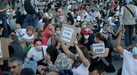 SRBIJA: Opet počeli neredi, krenula akcija policije u razbijanje prosvjeda