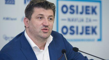 Sportski direktor Osijeka nakon poraza od Lokomotive prijetio sucima