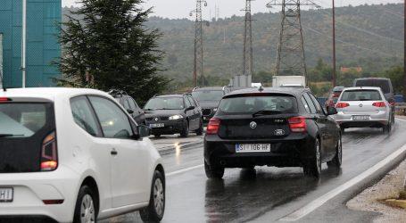 HAK: Oprez zbog vjetra na Jadranskoj magistrali, na granici moguća čekanja