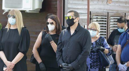 U Srbiji na snazi nove mjere, maske obavezne čak i za djecu na igralištu