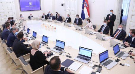 Posljednja sjednica Vlade u ovom sastavu, Plenković se zahvalio ministrima u odlasku