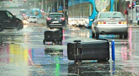 Zbog nevremena u Zagrebu 41 vatrogasna intervencija, ponovno poplavljena Klaićeva
