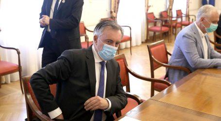 """ŠKORO: """"Zastupnike se ne može natjerati da nose zaštitne maske"""""""