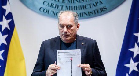 POLITIČAR MOSTARSKA LASTA: Bivši ministar zagadio rijeku pjenom, pa se kupao u njoj