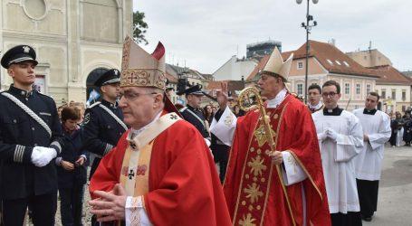 Vatikan pušta Bozanića da odradi cijeli svoj mandat