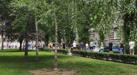 Redovi na biralištima u Splitu i Zagrebu