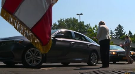 Imigranti mogu zakletvu na Ustav SAD-a položiti iz automobila