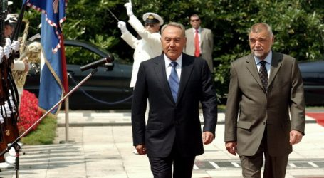 PREDSJEDNIKOVA GOSPODARSKA STRATEGIJA: Hrvatskim tvrtkama zbog Mesićevih veza prednost u naftom bogatom Kazahstanu