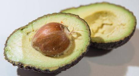 Ostacima voća i povrća obojite svoje stare odjevne predmete