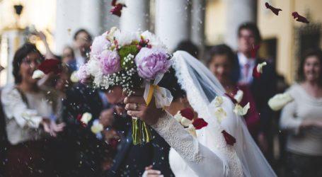 Nova žarišta korone u Hrvatskoj – momačka, svadba, sprovod i karmine