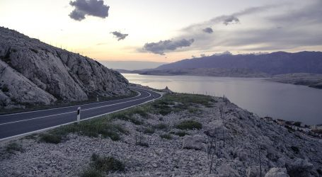 HAK: Jak vjetar na Jadranskoj magistrali, kod tunela Sveti Rok ograničenje brzine