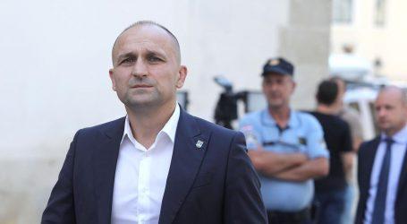 """ANUŠIĆ: """"Meggle odlazi, treba spasiti proizvodnju mlijeka u Slavoniji"""""""