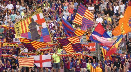 Unatoč željama navijača Xavi neće preuzeti Barcelonu