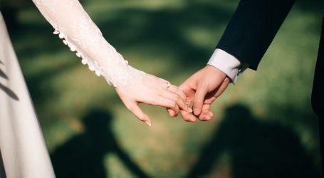 Vjenčanje u doba koronavirusa: Norvežanka i Šveđanin izrekli 'da' na granici