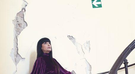 'Potres mi je teško oštetio stan i modni atelje, ali neću čekati zakon o obnovi'