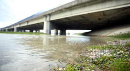 Poplave u Kini prijete širem području velegrada Wuhana