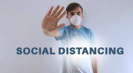 """WHO: """"Stižu dokazi o prijenosu zrakom, provjetravajte, održavajte razmak i nosite maske"""""""