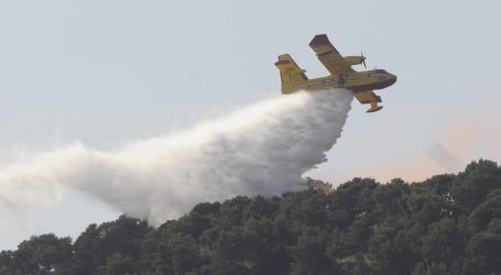 Lokaliziran požar nedaleko Drniša