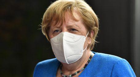 Merkel: Pridržavajte se pravila da očuvamo ekonomiju i da škole ostanu otvorene