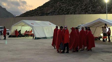 Migranti masovno bježe iz karantene u Španjolskoj