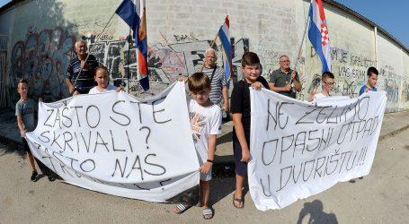 U Zadru održan prosvjed zbog azbesta s Galeba