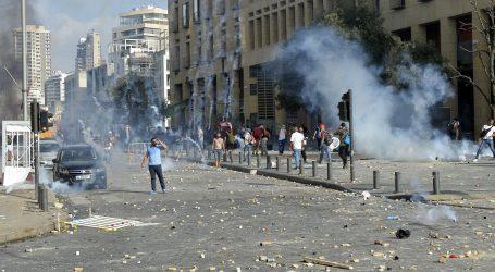 BEJRUT: Poginuo policajac, stotinu ozlijeđenih, provaljeno u ministarstvo, premijer najavljuje izbore