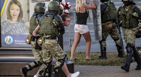 Nemiri u Bjelorusiji nastavljaju se i treću noć, sukobi prosvjednika i policije