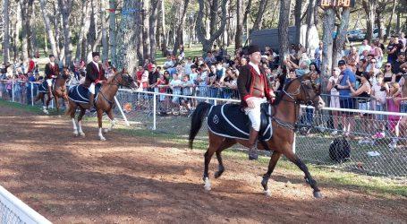 Trka na prstenac okupila 16 konjanika pod posebnim epidemiološkim mjerama