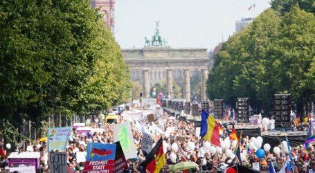 """Prosvjedi u metropolama Europe protiv """"medicinske tiranije"""""""