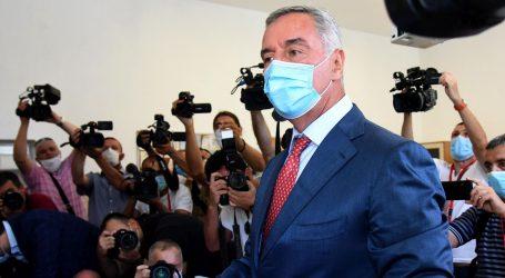 """Izbori u Crnoj Gori: Đukanović """"pao"""" nakon 30 godina vlasti"""