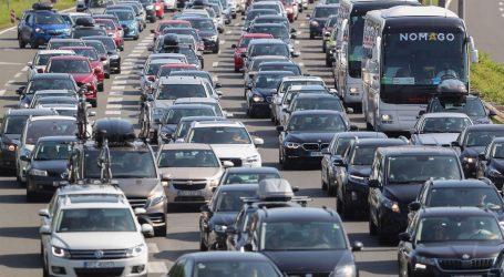 HAC: Za vikend 25 posto manje vozila nego lani