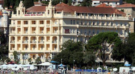 Liburnia Riviera Hoteli donirali 1,3 milijuna kuna riječkom Zavodu za javno zdravstvo