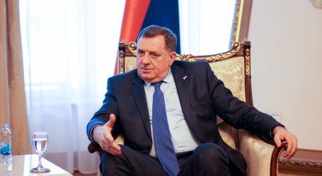 BiH: Dodik planira nastaviti slati migrante u Federaciju, Komšić bi ih ostavio u RS