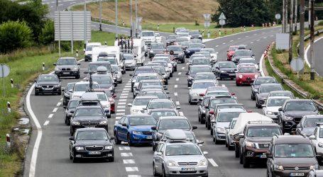 Stranci masovno odlaze iz Hrvatske, stvaraju se gužve na prometnicama i granicama