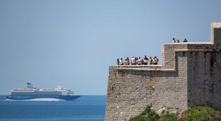 Dubrovnik želi ukidanje zabrane uplovljavanja kruzera